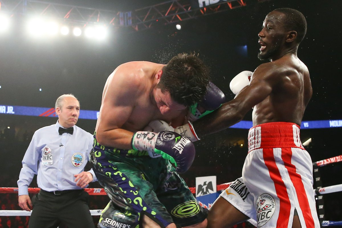 Terence Crawford landed punches with impressive accuracy from nearly every direction against John Molina Jr. Saturday. Photo: Mikey Williams, Top Rank Boxing