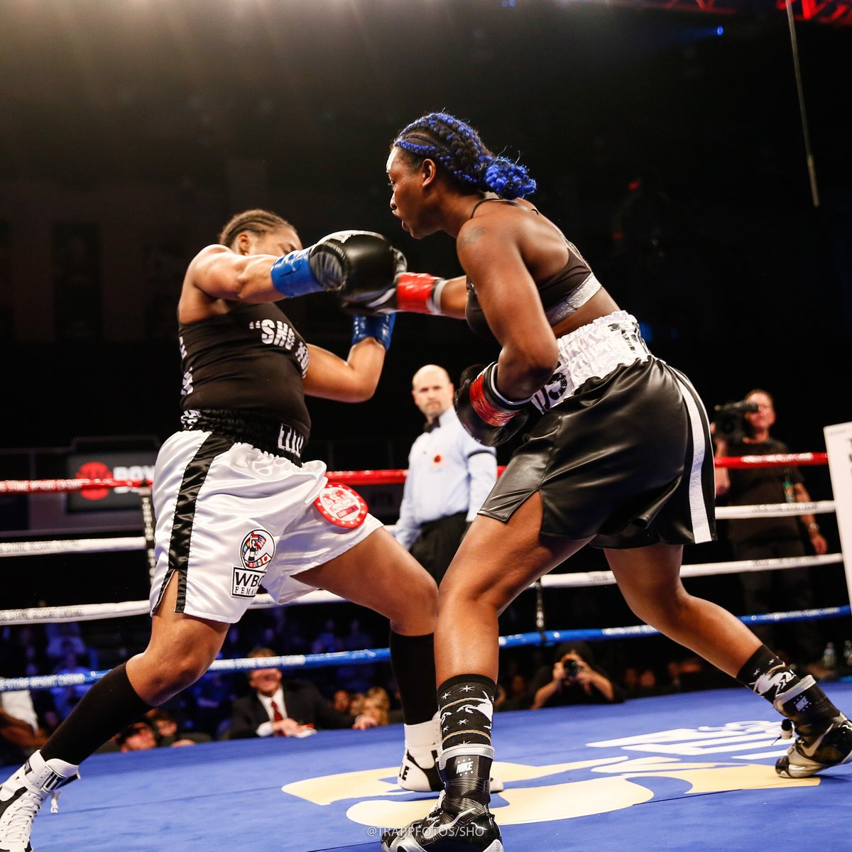 Claressa Shields (right) showed improving skills including solid body work against Tori Nelson. Photo: Stephanie Trapp, Showtime Boxing