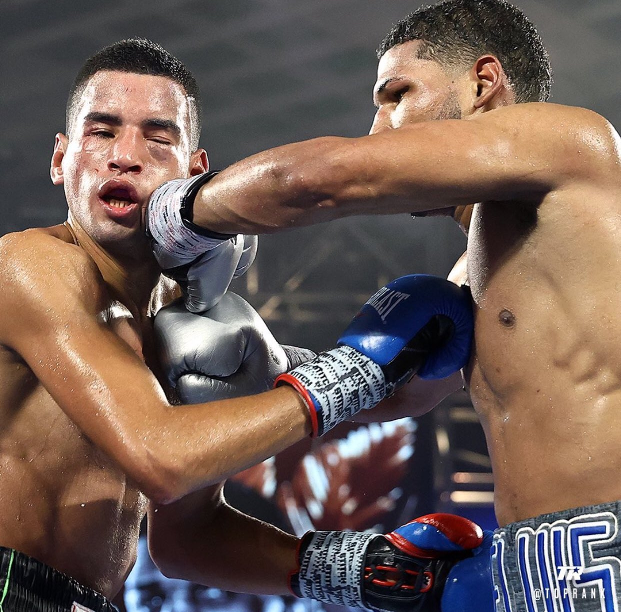 Gabriel Flores Jr. scored two knockdowns against veteran Jayson Velez foor a statement sixth round TKO win. Photo: Mikey Williams, Top Rank Boxing